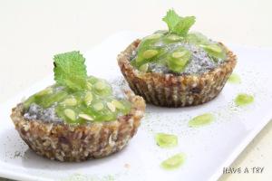 Kiwano-Chiapudding Cupcakes (raw, vegan, glutenfree)