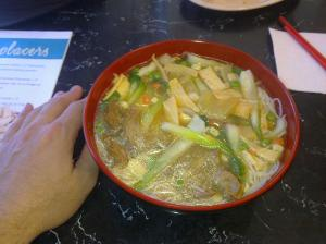 Gemüsesuppe mit Tofu
